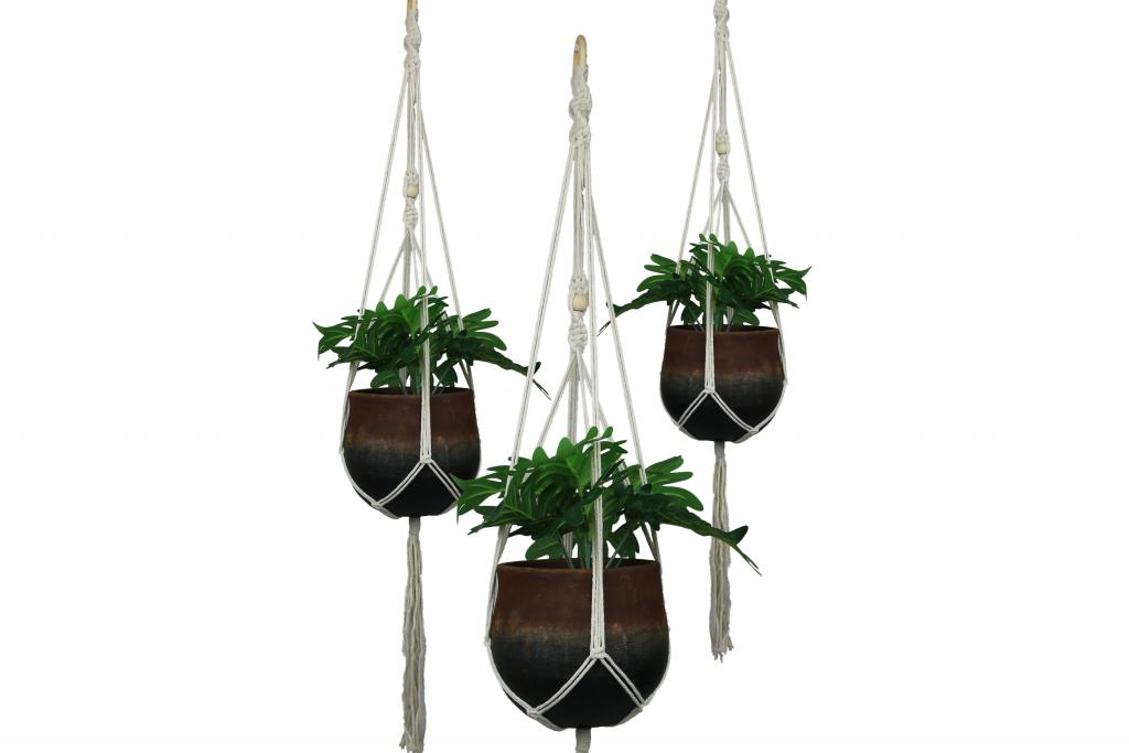 Macramé plantenhanger – touw en hout – voor binnen en buiten